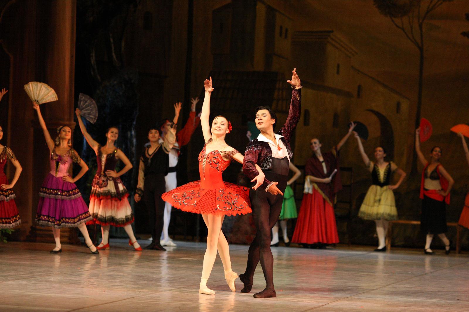 Ballet Nacional da Rússia apresenta trechos de Carmen e Lago dos Cisnes