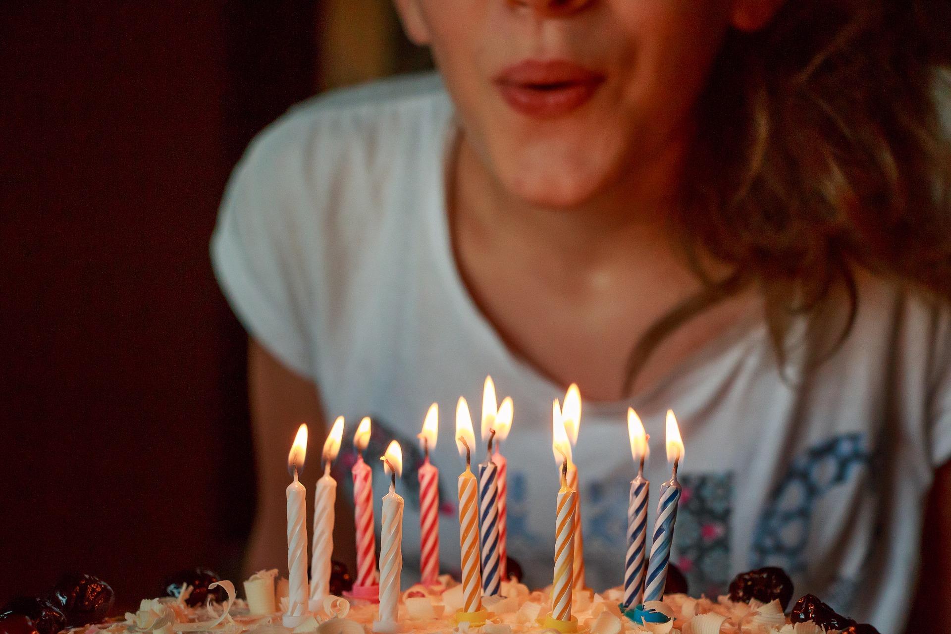 Onde encomendar bolo de aniversário com desconto do Clube