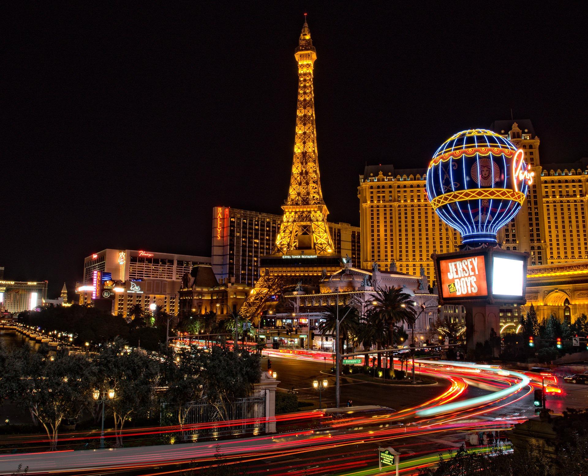"""Você pode viver """"uma noite em Las Vegas"""" no ano novo em Curitiba"""