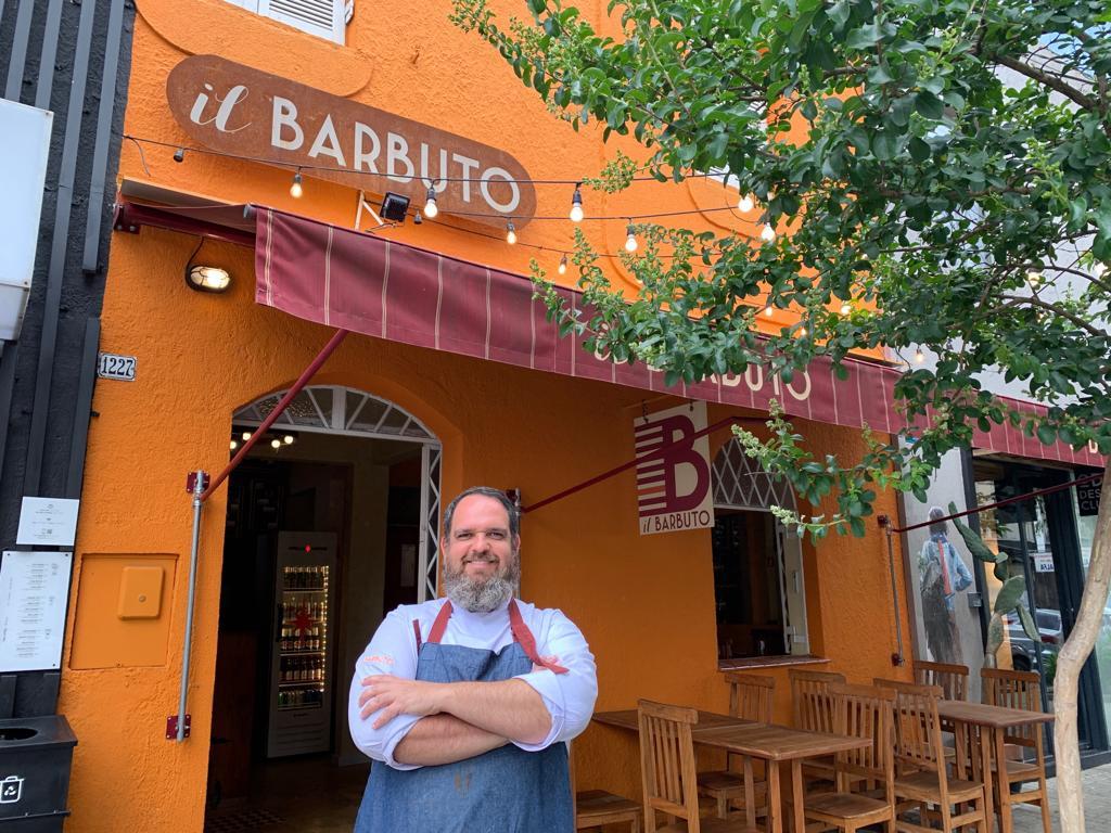 Conheça o restaurante localizado em casa icônica na Prudente de Moraes