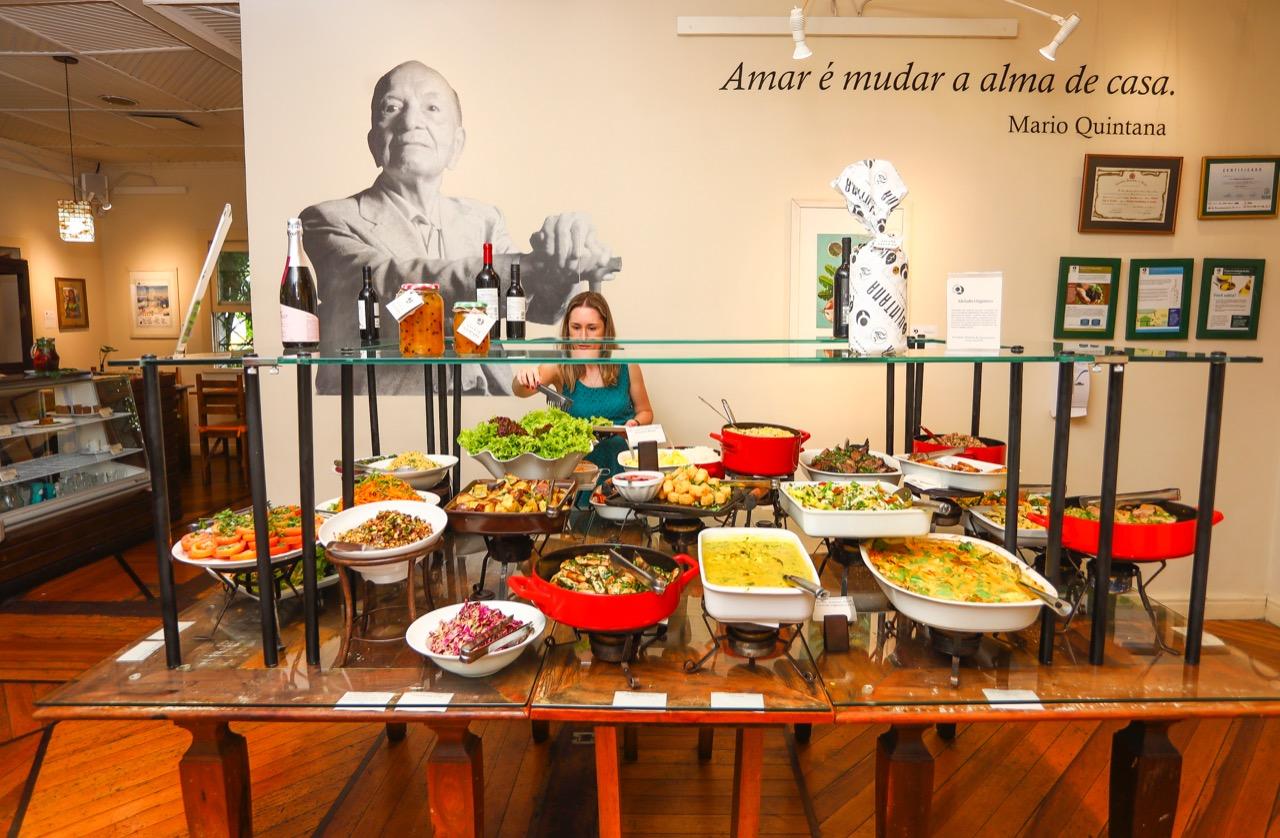 Restaurante em Curitiba tem Mesa Gastronômica com sabores de todo o mundo