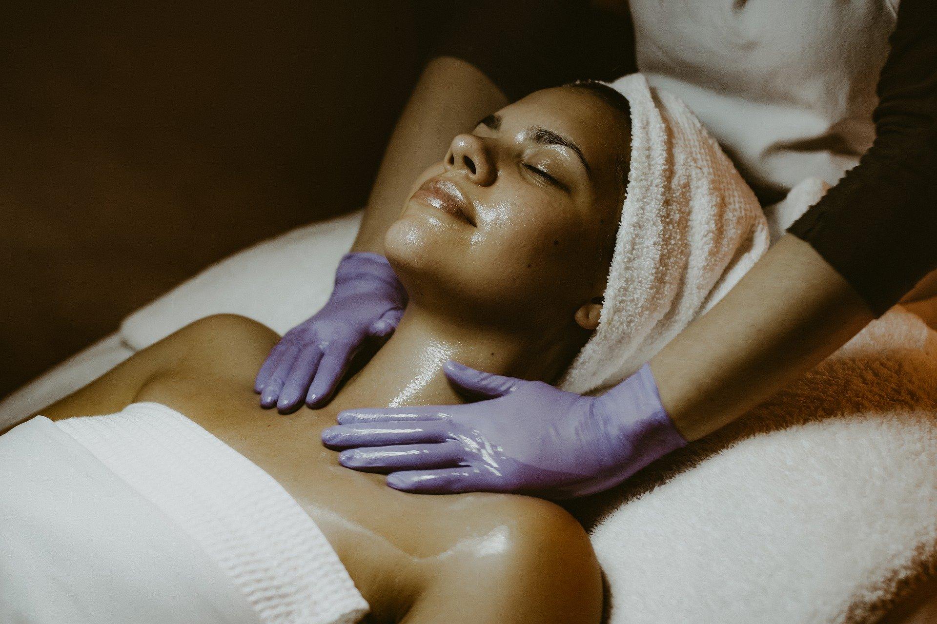 5 procedimentos para recuperar a pele depois do Carnaval
