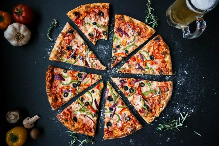 Pizza em casa? Peça com desconto do Clube
