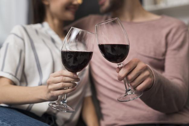 Lugares para pedir vinho com desconto do Clube