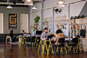 Home office: aprenda a gerenciar equipes remotas com a Aldeia