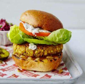 Jamie Oliver's Diner tem opção de hambúrguer para vegetarianos
