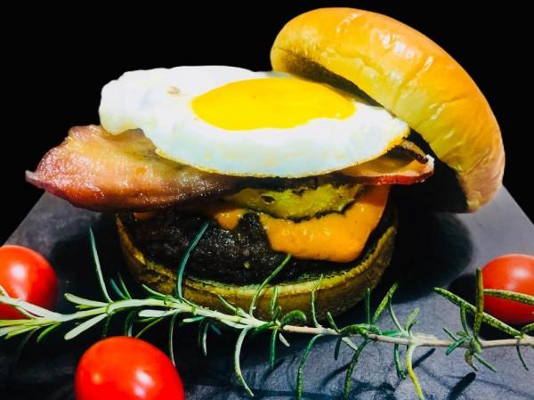 Abacaxi grelhado e ovo no hambúrguer? Conheça o Stan Getz