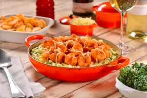 8 preparos com camarão para provar no Bar do Victor