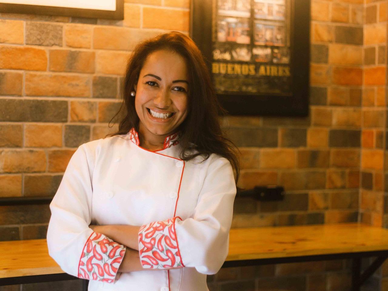 Amor pela cozinha argentina: conheça a história de Yara, a chef da Tango Empanadas