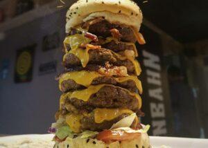 Gosta de hambúrguer? Prove o Garden Tower e ganhe um chopp!
