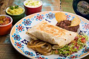 Conheça a Chimichanga do Zapata Mexican Bar