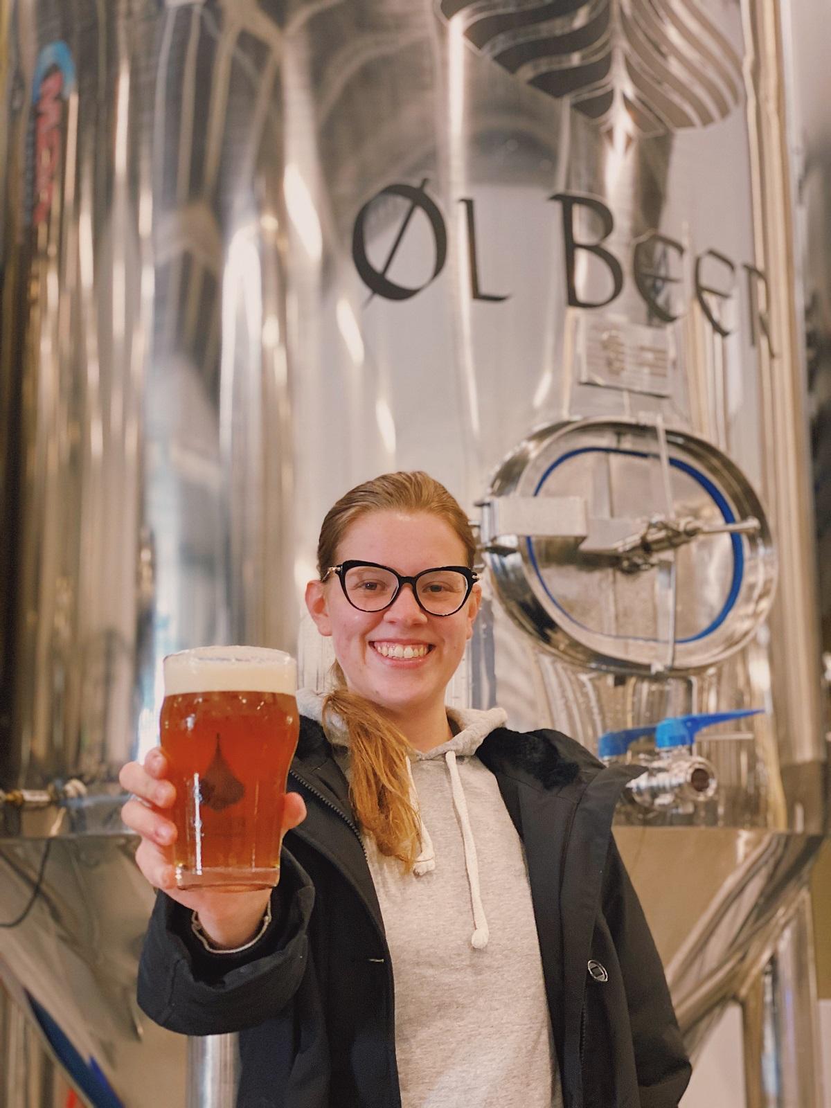 Mulheres que fazem cerveja: conheça Isadora, a mestre cervejeira da ØL Beer