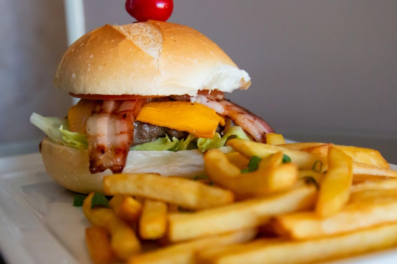 Promoção: Devon's tem dois hambúrgueres de costela por R$ 45