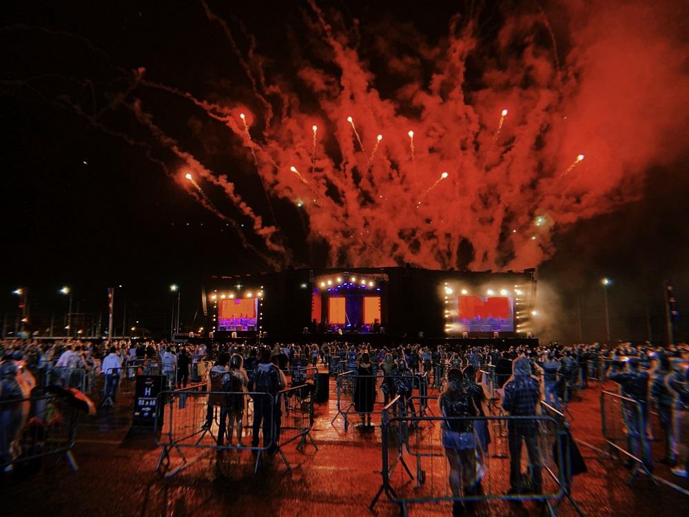 Festa com distanciamento: Expotrade Pinhais recebe festa de música eletrônica neste sábado