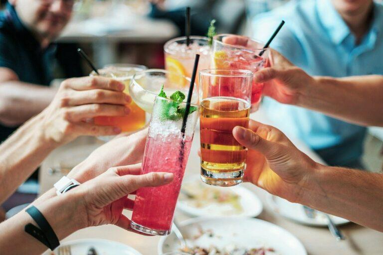 3 lugares para aproveitar o fim do dia com bons drinks
