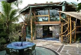 Conheça o Grajagan Surf Resort, e fique hospedado num local paradisíaco