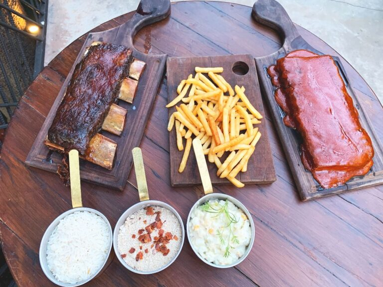 OX Room Steakhouse promove festival de costela americana no delivery