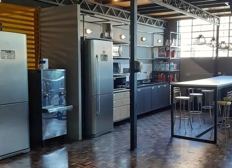 home office não tem cozinha bacana assim como a da Aldeia coworking