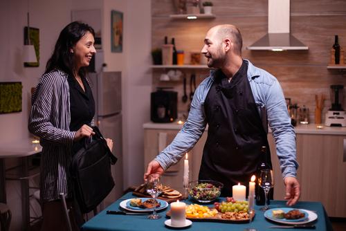 Dia dos Namorados: onde pedir seu jantar com desconto Clube