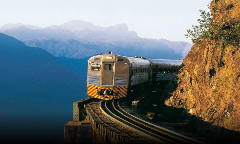 Viagem de trem para Morretes: uma das mais bonitas do mundo